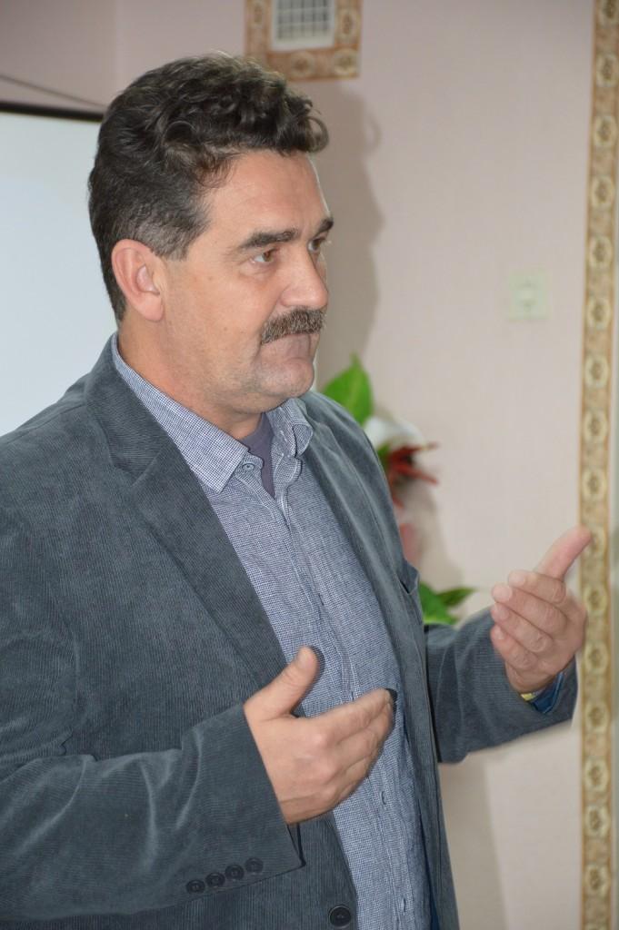 Ігор Семиволос, керівник Української Миротворчої школи