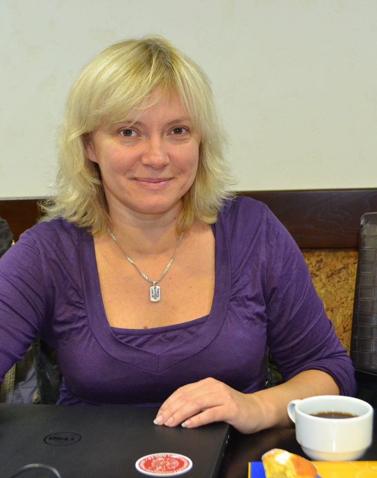 Олена Ніжельська