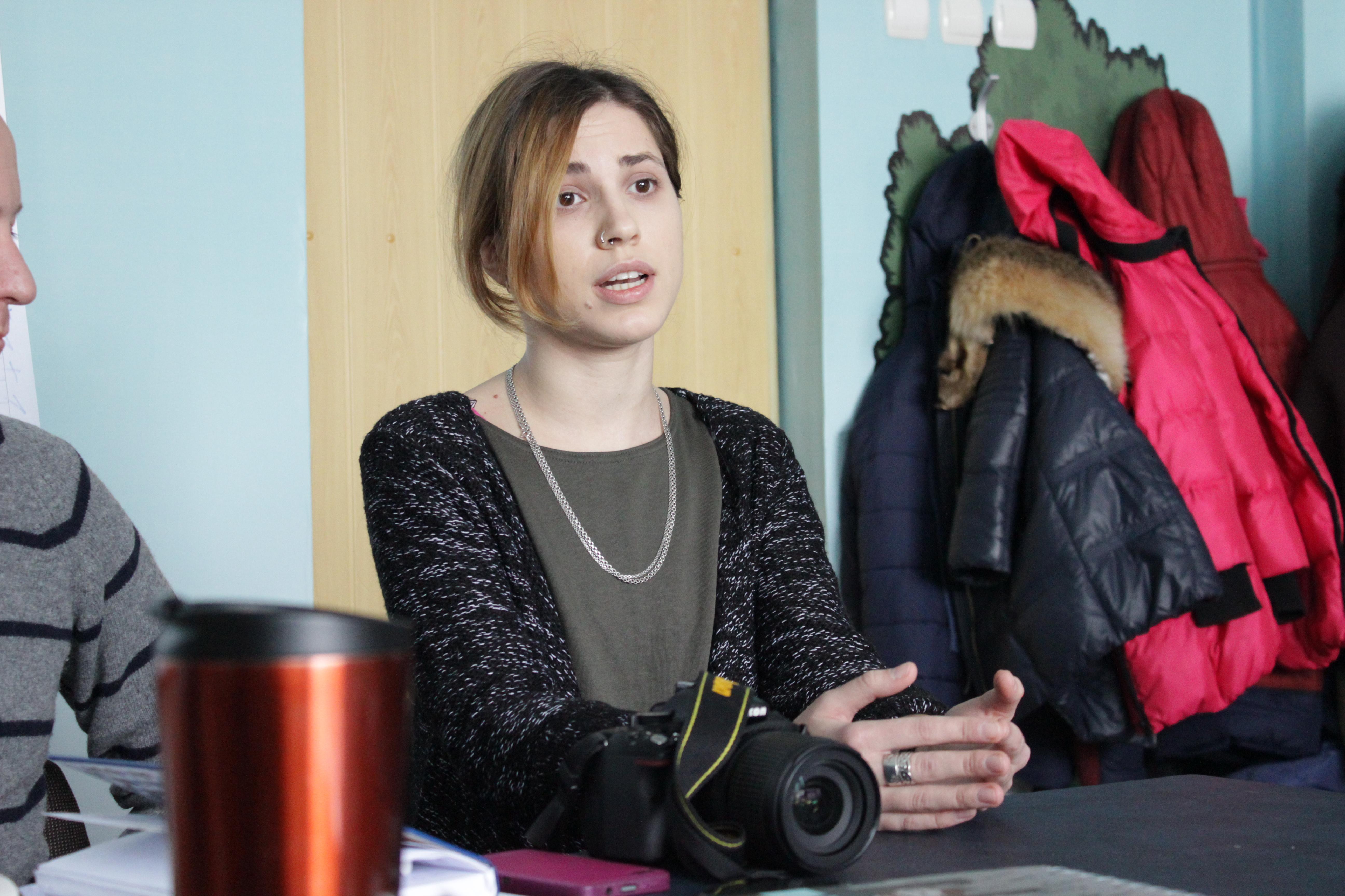 """Лідер Херсонської молодіжної ініціативної групи """"Кип'яток"""" Анастасія Супрун акцентує увагу на важливості формування у молоді критичного сприйняття та аналізу інформації в медіа"""